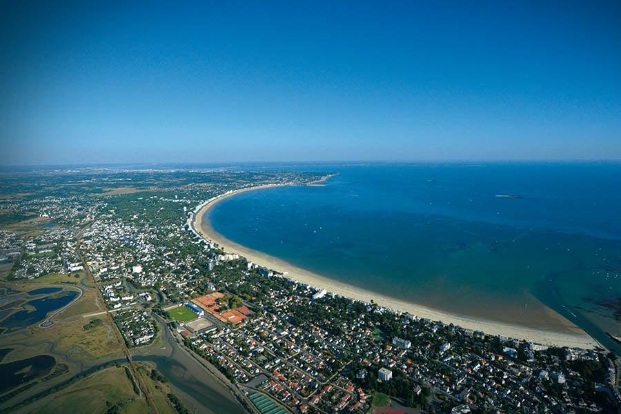 Vue aérienne de la baie de La Baule