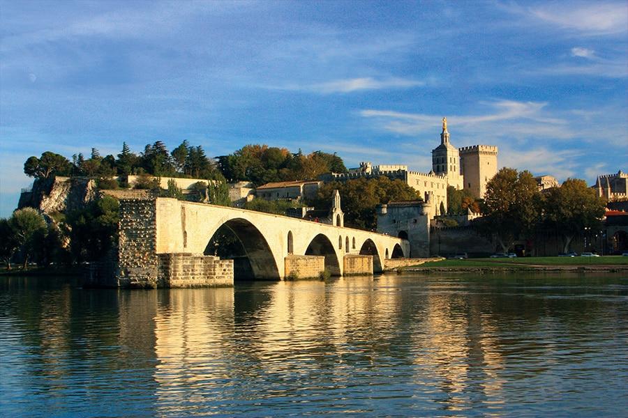 Réalisez un séjour en Provence Luberon et visitez la ville d'Avignon