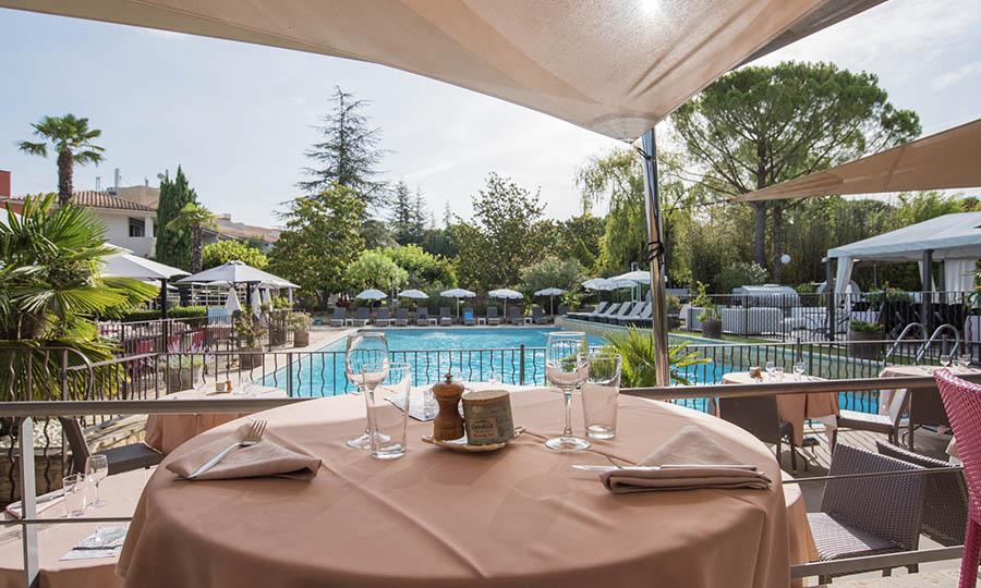 Terrasse Hôtel Sevan Parc en Provence Pays d'Aix
