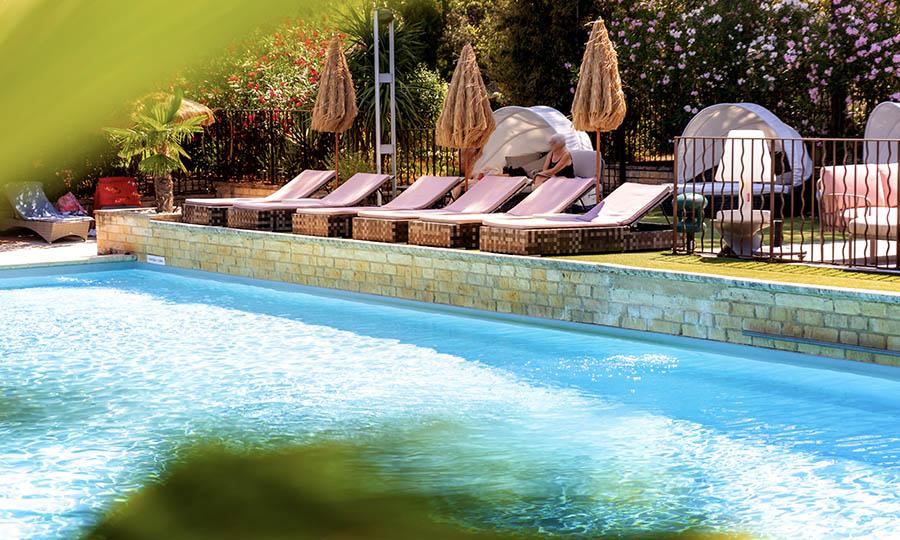 Piscine hôtel Sevan Parc en Provence Pays d'Aix